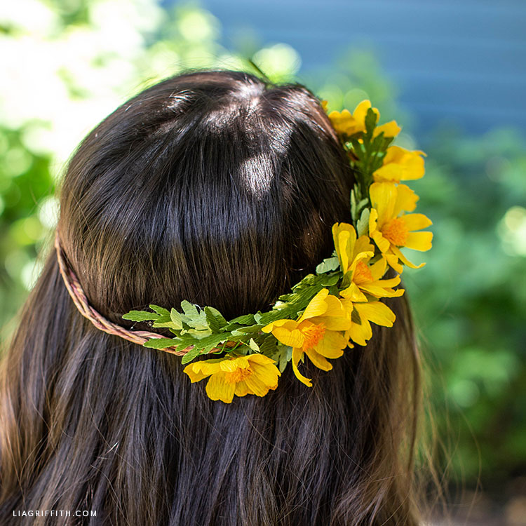 handmade flower crown with crepe paper woolly sunflowers