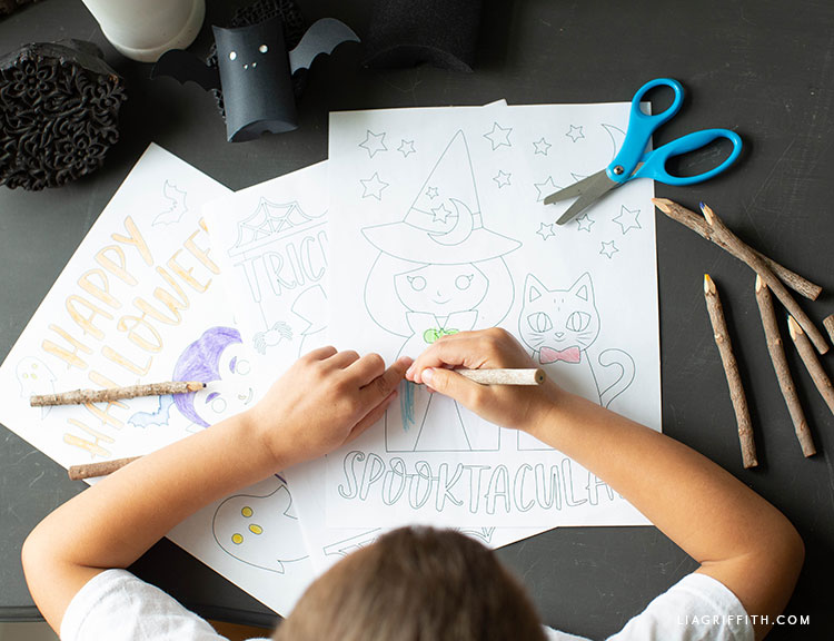 kid's Halloween coloring pages