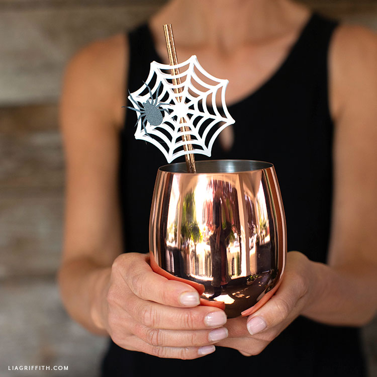 DIY spider web straw topper