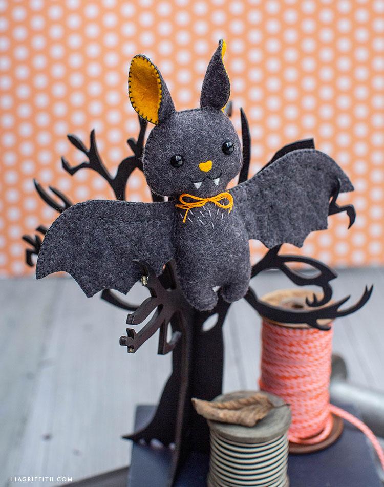 DIY felt baby bat stuffie