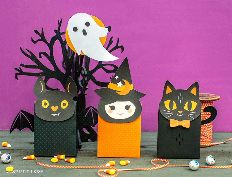 DIY paper treat bags for Halloween