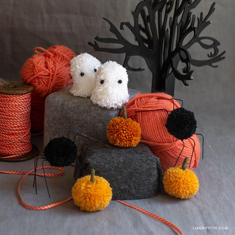 pom-pom Halloween decor