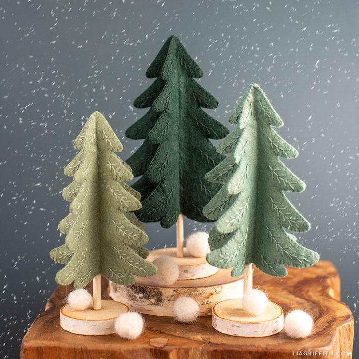 mini felt Christmas trees