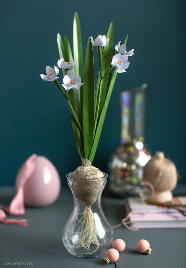 DIY frosted paper paperwhites with crepe paper bulb