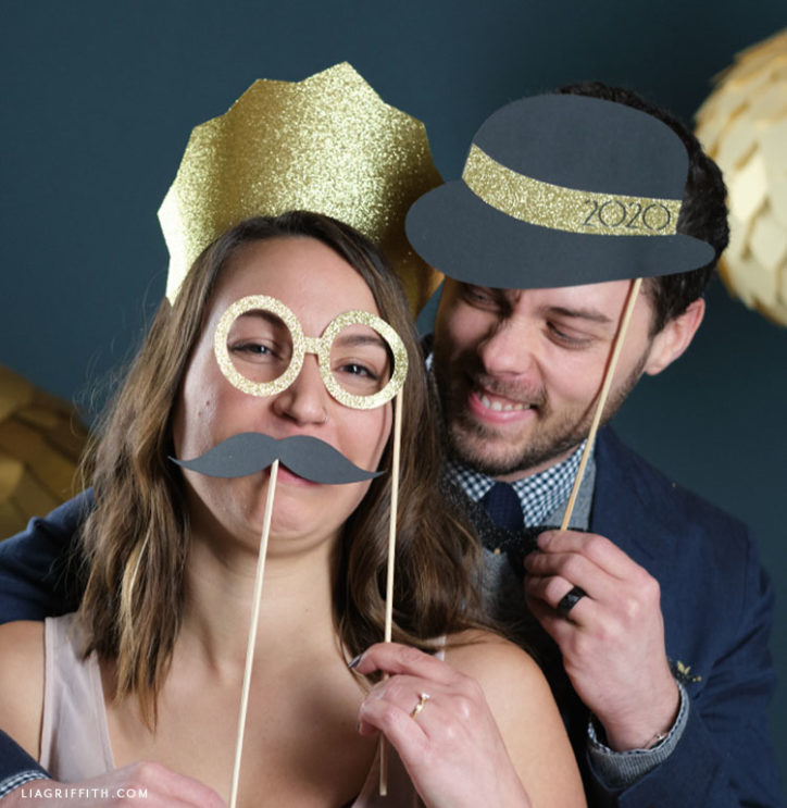 papercut roaring 20s photo booth props for New Year's eve