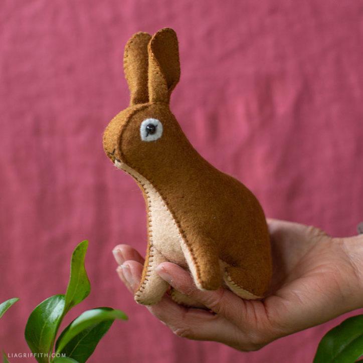 DIY felt rabbit stuffie