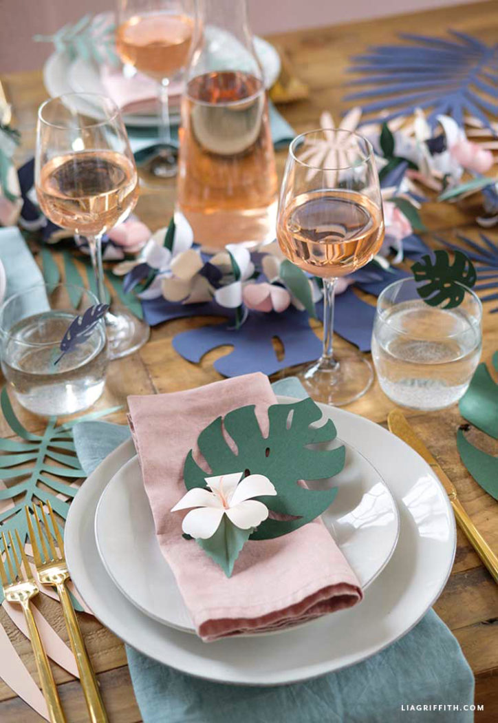 tropical table decorations