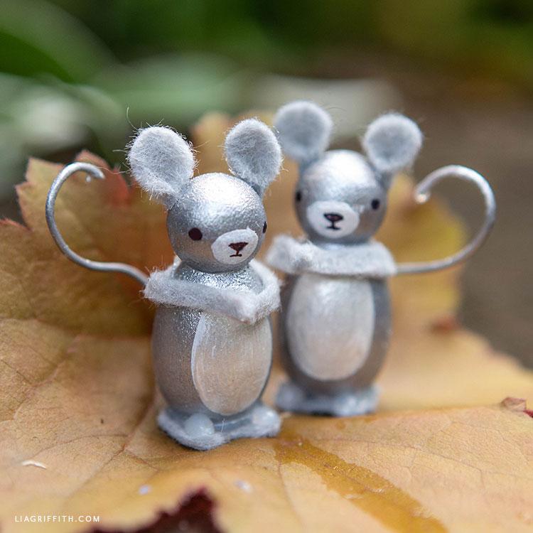 DIY mouse peg dolls