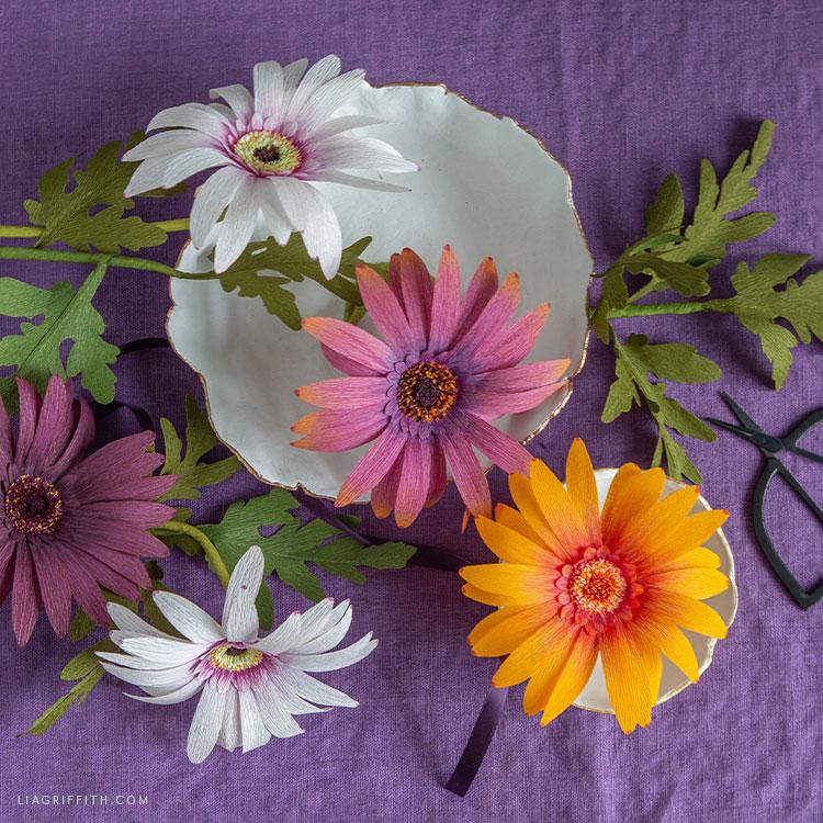 crepe paper daisies