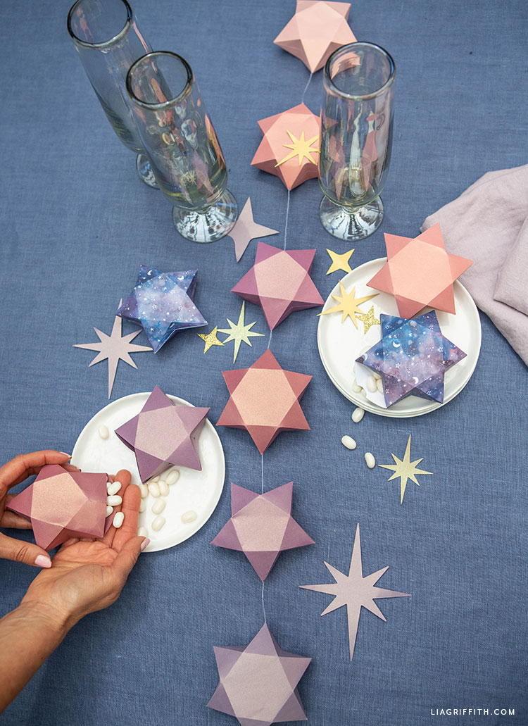 frosted paper 3D stars