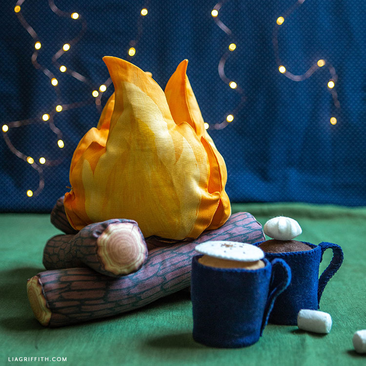 printed fabric campfire with felt cocoa
