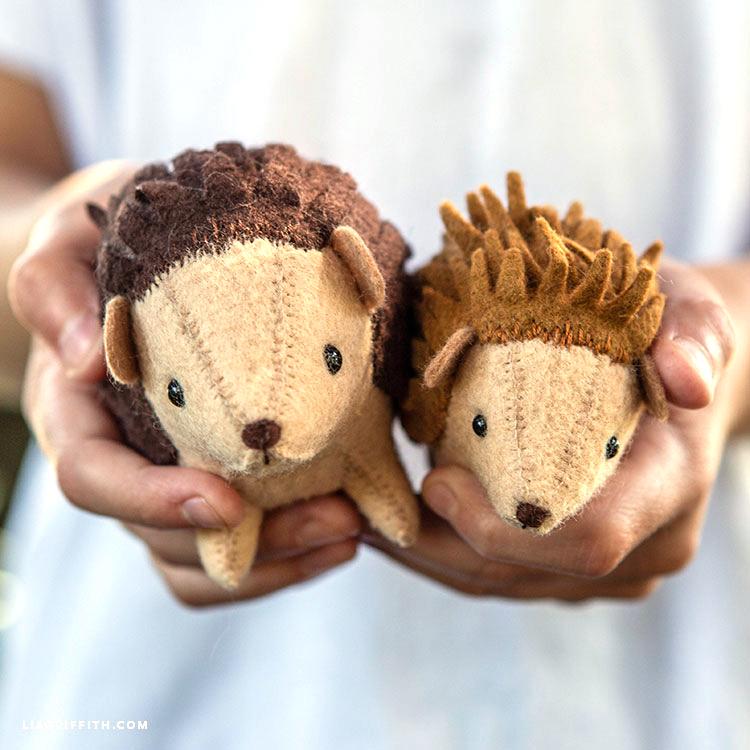 DIY felt hedgehogs