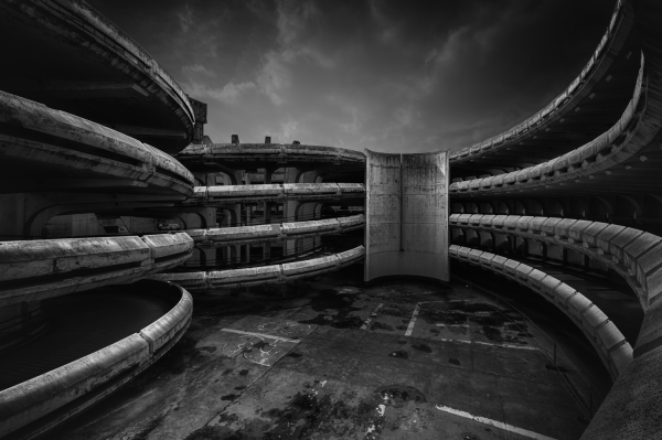 Dystopian POMO, Parisian Style