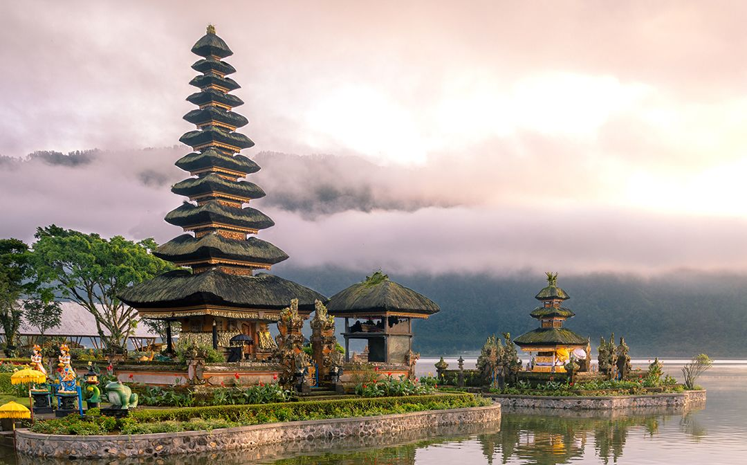 Ulun Danu Temple in Northern Bali: My new friend, Hadi the taxi driver, and myself had the entire temple almost completely to ourselves for more than an hour as only a few locals wandered around to pray.