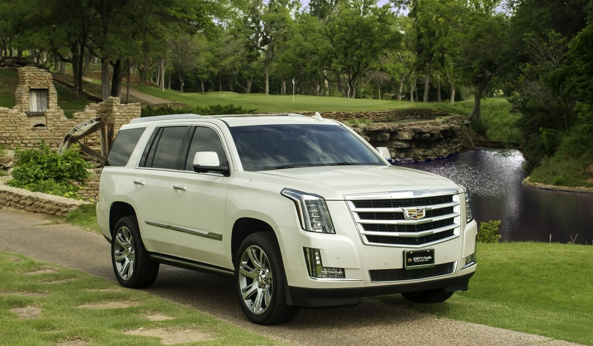 THE 2016 CADILLAC ESCALADE: THE INDUSTRY'S MOST ICONIC
