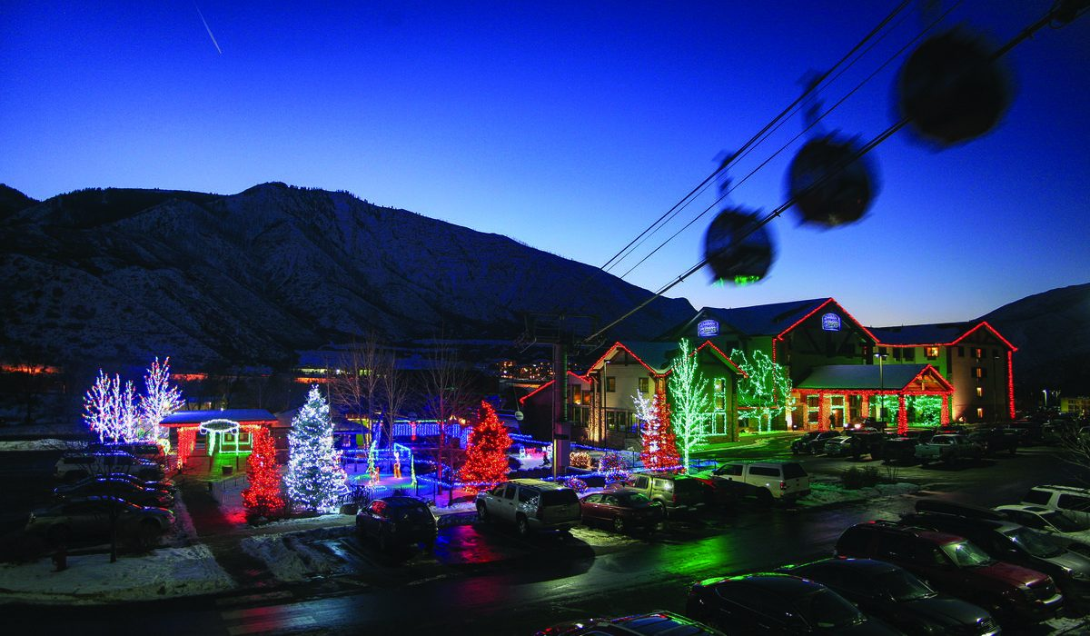 Rocky Mountain Christmas.An Old Time Rocky Mountain Christmas Roaring Fork