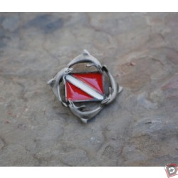 DOLPHIN DIVE FLAG PIN