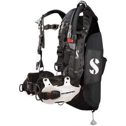ScubaPro Hydros Pro BCD with Air 2 Regulator