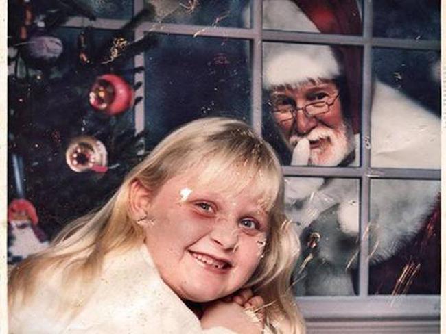 Hi, Walmart Here...Your Weird Family Christmas Photos Are Ready ...