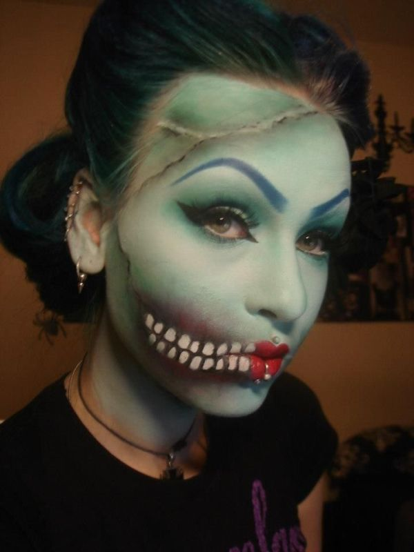How To Put On Halloween Makeup. How To Put On Halloween Makeup ...