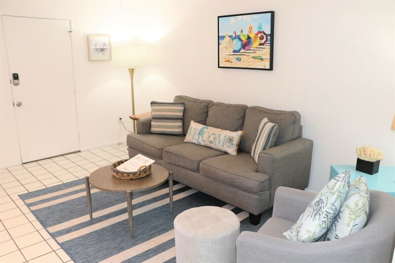 Siesta Beach House #106 Beautiful Updated Unit