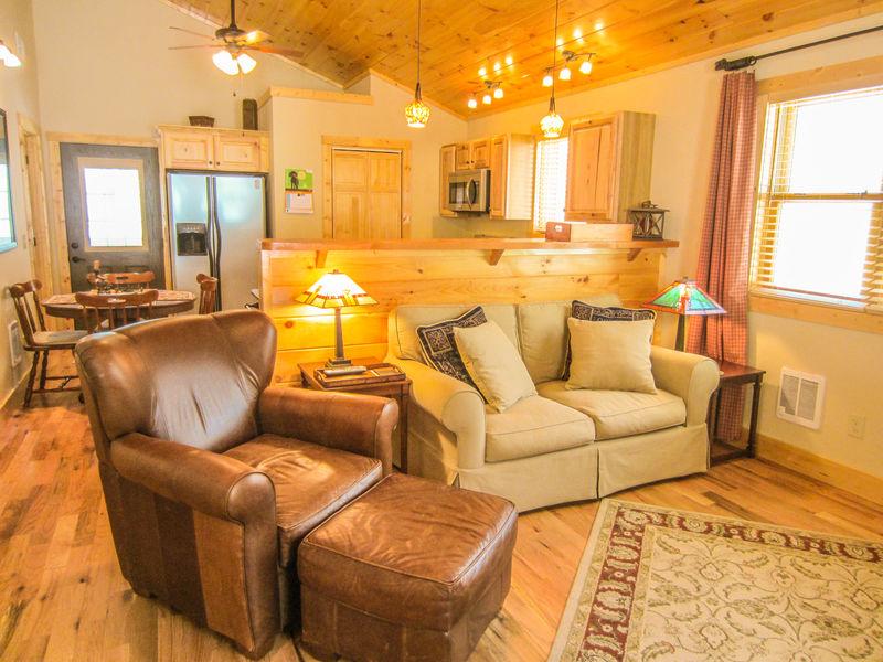 187 Bear Tracks Cabin Luxury Cabin Beech Mountain Nc