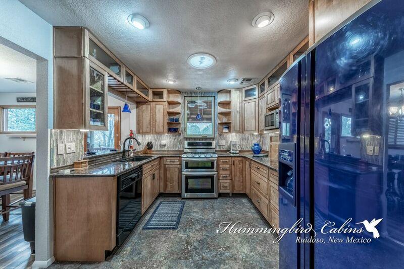 Ruidoso Cabin Rentals | 3 Bedrooms | Hummingbird Cabins