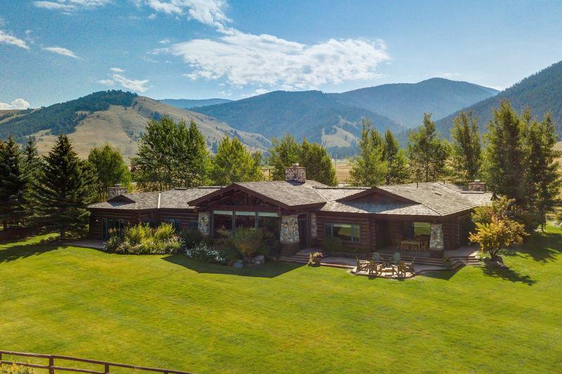 Abode at Elk Refuge Lodge