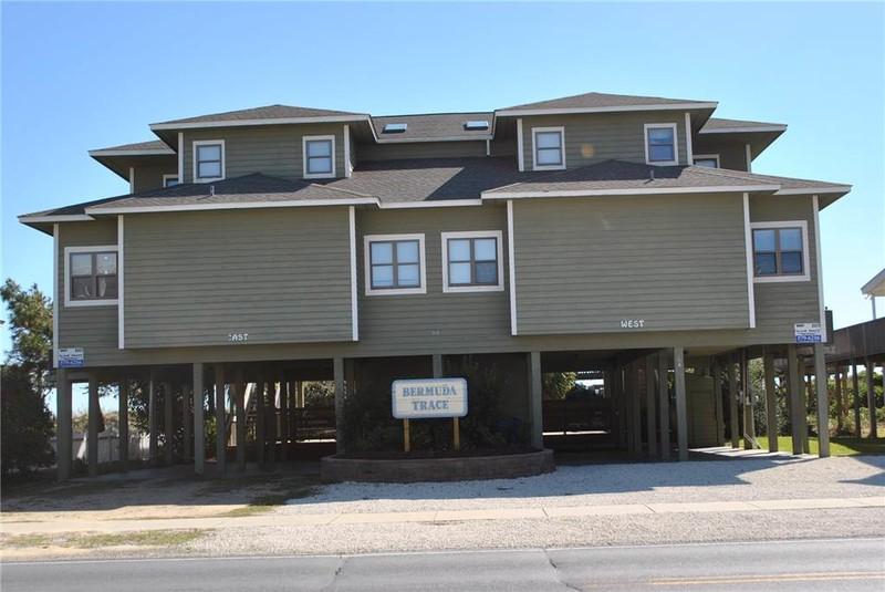 64EE - Oceanfront Duplex