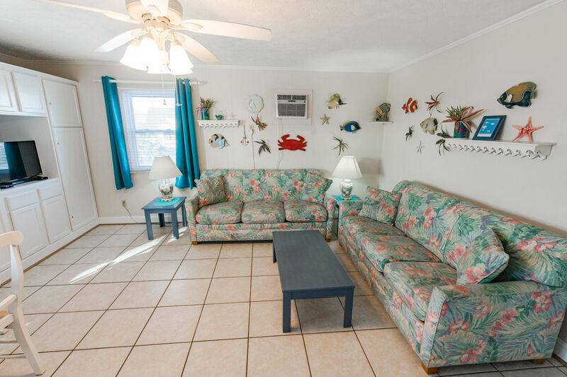 CM201 - Lg. 1 Bedroom Continental Motel