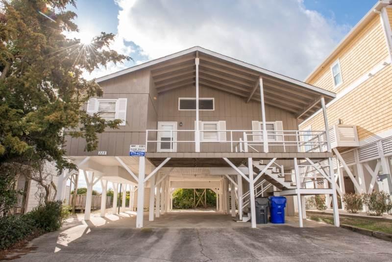 228E1- Oceanfront House