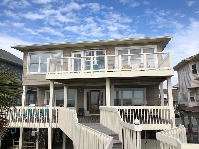 118E1 - Oceanfront House
