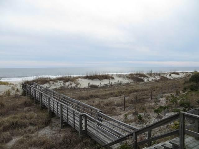 322E1 - Oceanfront House