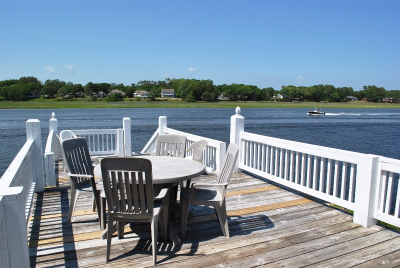 94MON - Intracoastal Waterway House