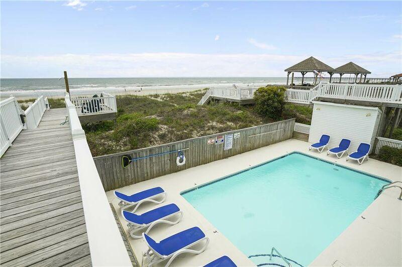 58EE - Oceanfront Duplex