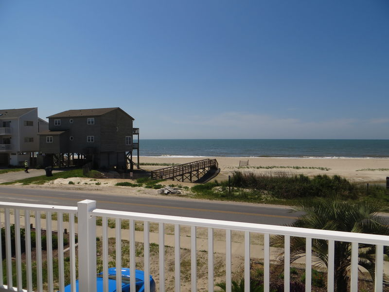 437E2- Oceanview House