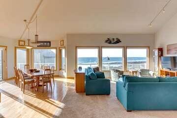 Amazing Vacation Rentals In Yachats Waldport Newport Oregon Home Interior And Landscaping Palasignezvosmurscom