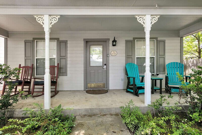 Main Street Retreat - The Half Penny Cottage