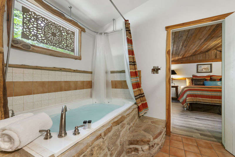 Bowie Cottages - Western Suite