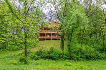 Hocking Hills Cabin Rentals by Buffalo Lodging | Book Top