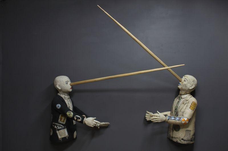 Dueling Liars - Stephen Braun