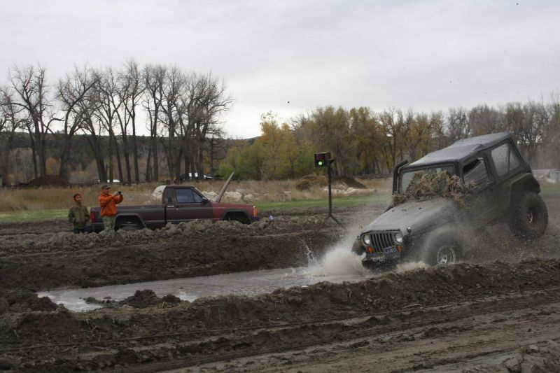 Hill in a Hole Mud Racing