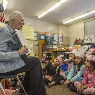 BookPALS founder Barbara Bain reads at Crescent Heights Elementary in Los Angeles, California. Photo by Neil Jacobs.