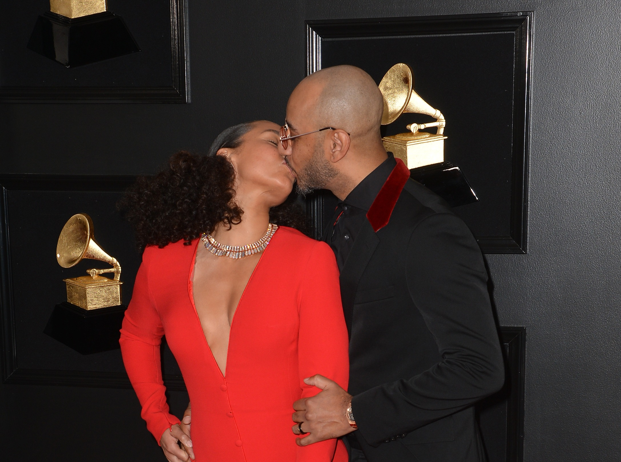 """Alicia Keys Says Marriage And Kids Helped Her Remove """"Negative Energy"""""""