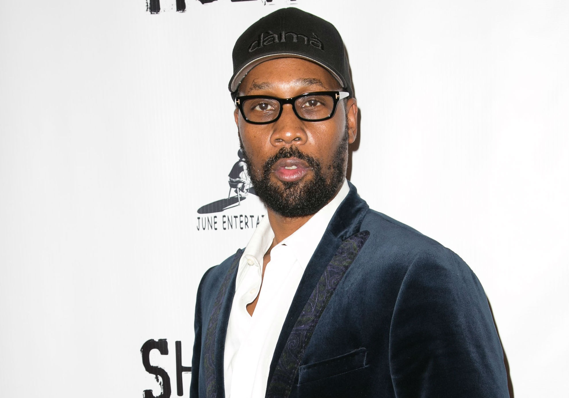 RZA\'s Allergies Force Him To Wear Malcolm X Style Glasses ...