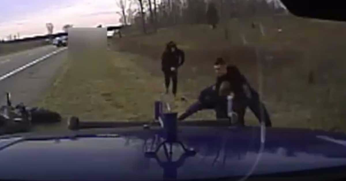 VIDEO: Two Brothers Choke And Beat Trooper, Then Citizen Hero Arrives And Opens Can Of Whoop A…