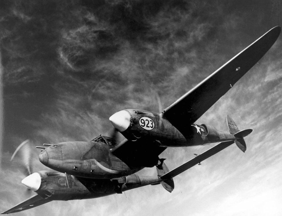 """How the US P-38, called the """"Fork Tail Devil"""" by the Germans - Attacked Japan - Warrior Maven"""
