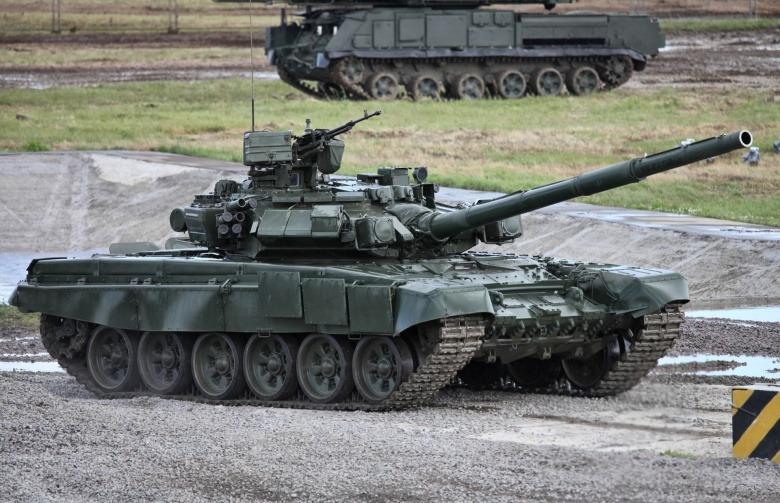 Russian T-90 vs US Javelin Anti Tank Missile - Warrior Maven