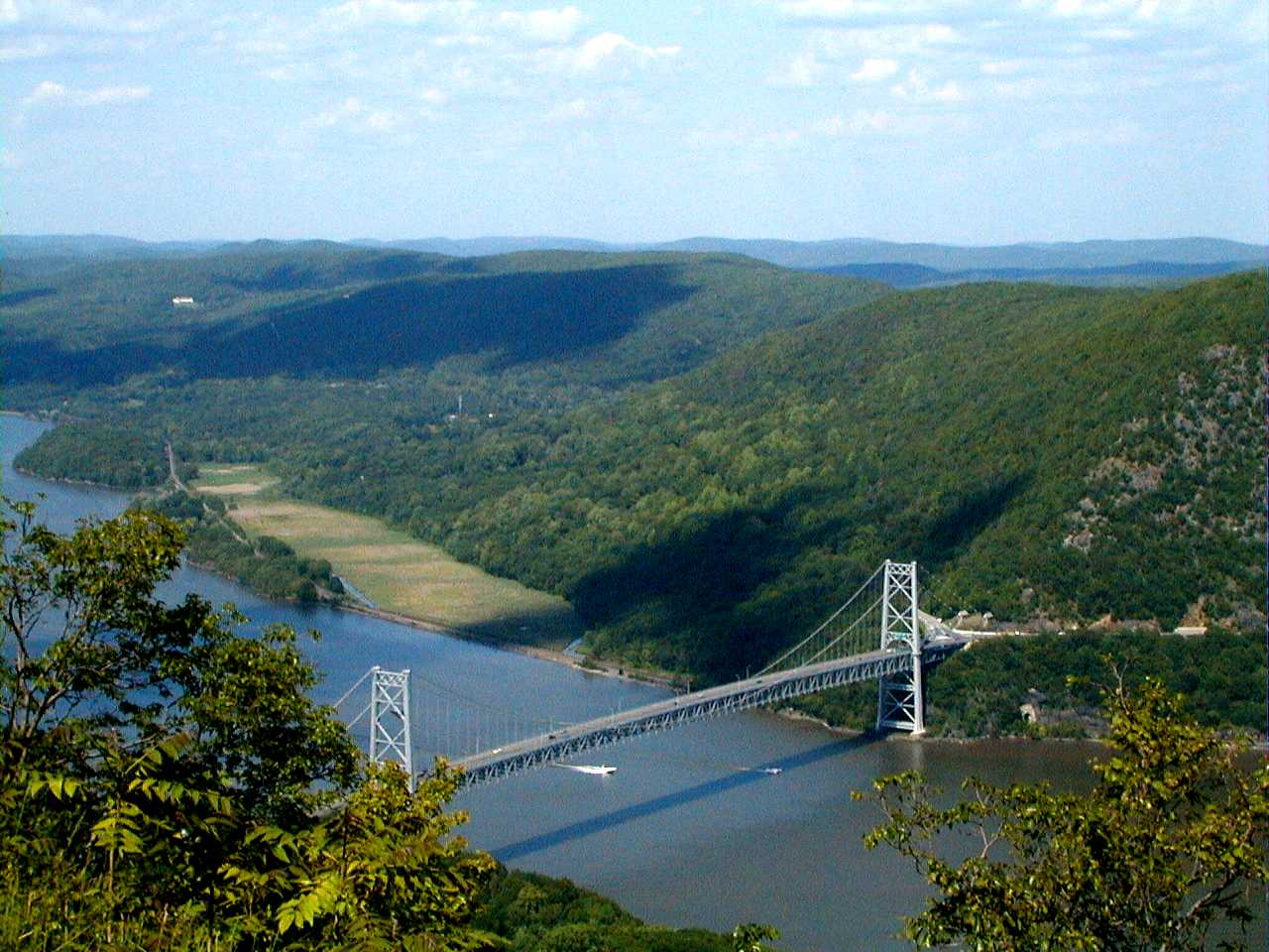 bear mountain park bridge new york