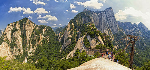500px-1_mount_hua_shan_china_2011